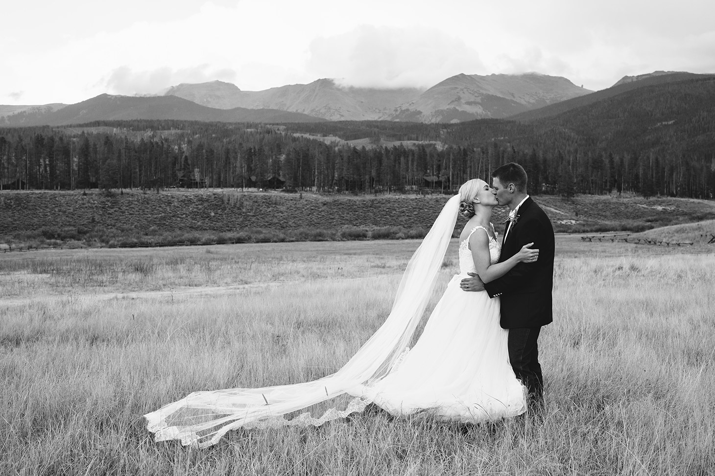Megan-Newton-Photography-Best-Wedding-Photos-2015-255
